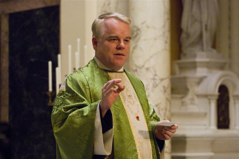 philip_seymour_hoffman_as_father_flynn_in_doubt_