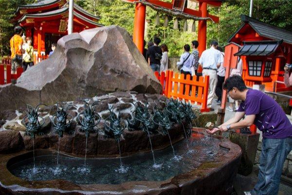 На территории храма Хаконе, г. Хаконе, регион Канто