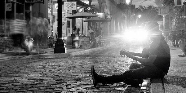 street-musician-angie-bechanan