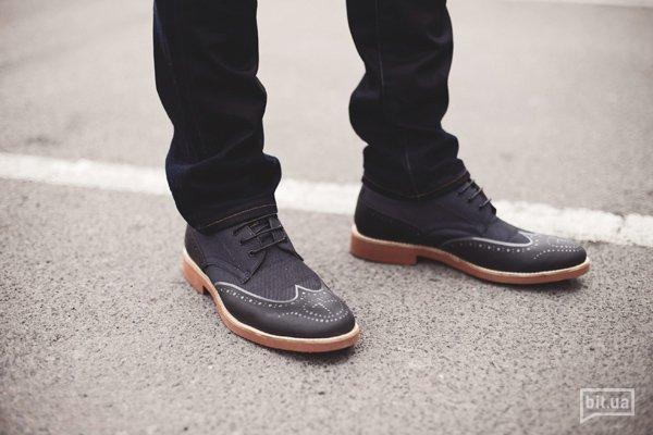 Джинсы — 1689 грн., туфли — 2579 грн.