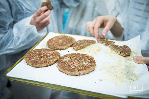 Как делают котлеты для сандвичей МакДональдз (фоторепортаж)