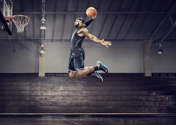Nike-Plus-Lebron_James-Lunar-Hyperdunk-2012