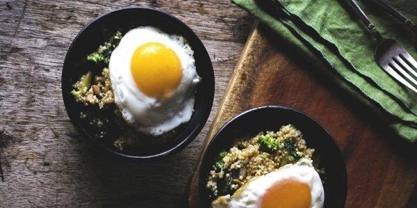 Как вкусно приготовить киноа на завтрак - 7 идей
