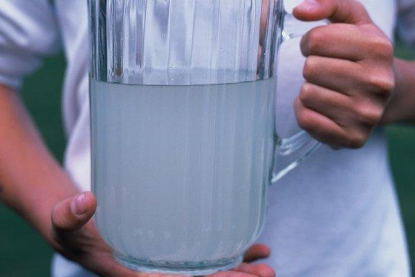 Правила питья: мнение доктора о важности воды в питании, немного цифр и инфографика