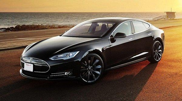 2014-Tesla-Model-S-side-view