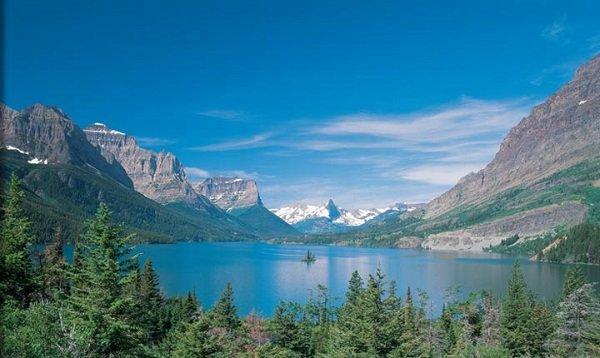 America-Glacier-National-Park-lake