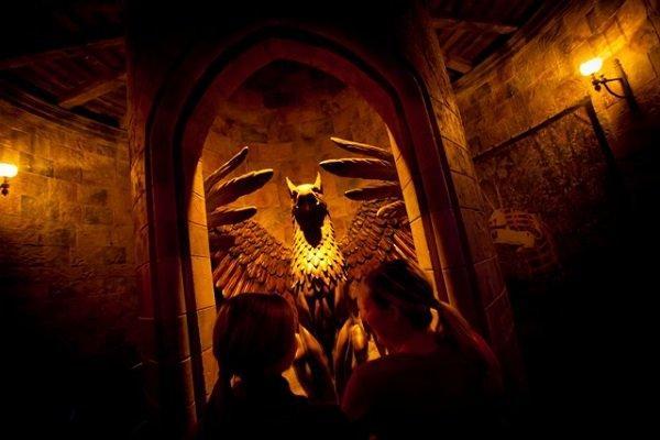 Hogwarts Castle Tour - LR