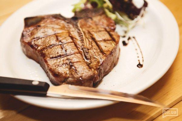 Разговор о мясе: 7 вопросов шеф-повару стейкхауса