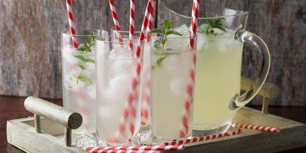 Полезные десерты: три июньских лимонада