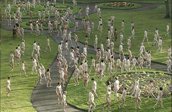 Art-1000-naked-Spencer-Tunick