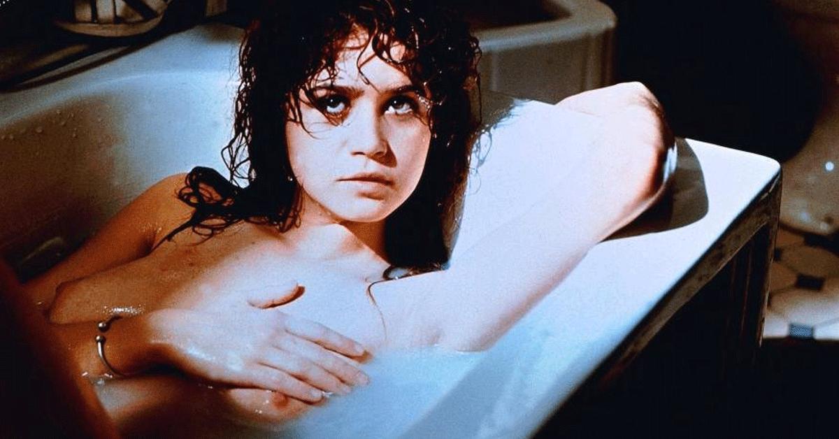 Сидела смотреть жажда общения порнофильм эротика кастинги