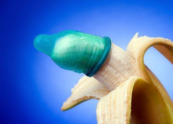 condom-banana11