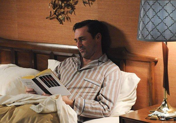 mad-men-507-don-draper-reads
