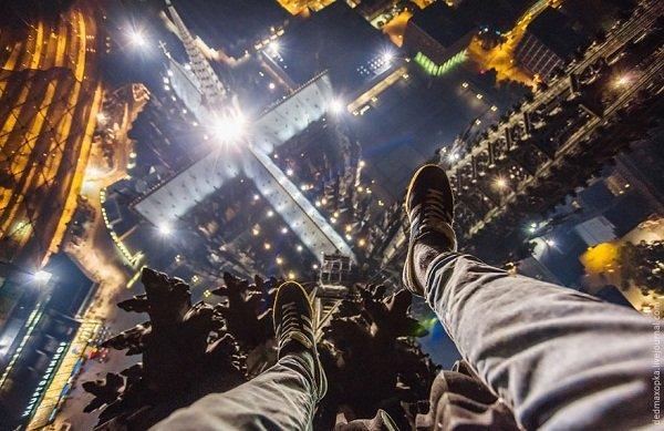 skywalking-photography-cities-from-terrifying-heights-vasiliy-raskalov-vadim-makhorov-61__880