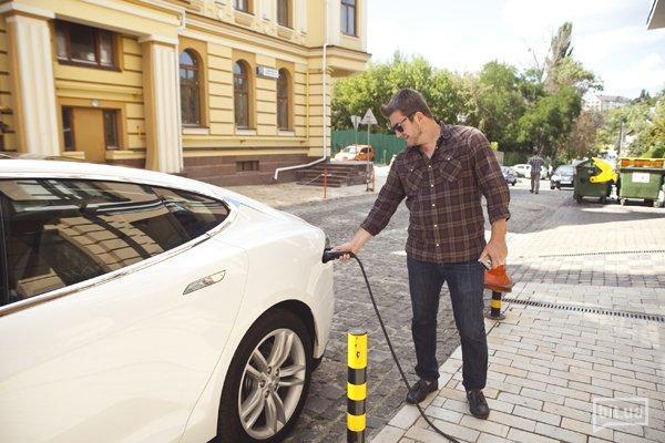 Tesla Model S и Дима Борисов