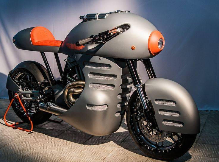 13 сентября у вас будет эксклюзивная возможность увидеть Sturmvogel — мотоцикл, занявший третье место в классе «фристайл» на байк-шоу в Италии. Производство —  ICM Iron Custom Motorcycles.