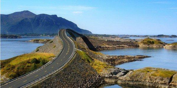 the-atlantic-road-in-norway-stretches-across-seven-bridges-and-offers-a-beautiful-view-of-the-atlantic-ocean-if-you-drive-in-calmer-weather-you-might-even-see-whales-and-seals