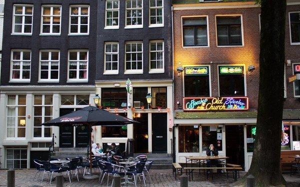кофешоп-Амстердам-Нидерланды