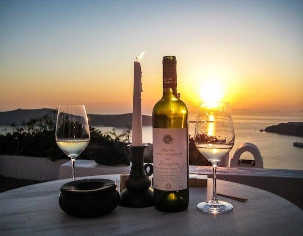 sunset-and-assyrtiko-in-santorini (1)