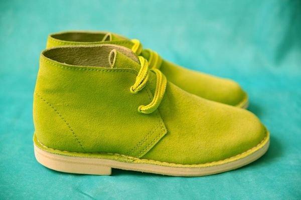 Можна замовити індивідуальну модель. Приймають замовлення онлайн і при  зустрічі. Взуття буде готова через тиждень. Вартість зимових черевик –  близько 1300 ... 116e6096385fe