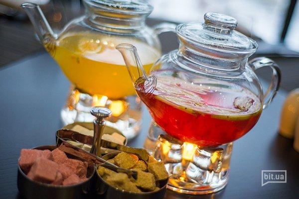 чай: клюквенный с яблоком и облепиховый с апельсином