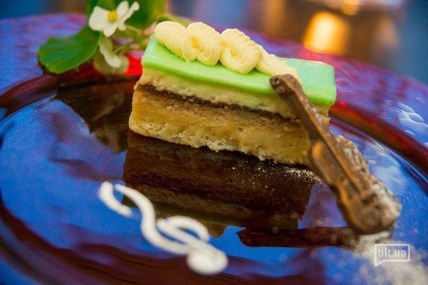 Каштаново-инжирный торт с ванильным кремом – 85 грн