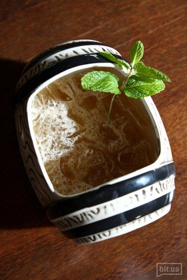Kava Bowl (Bacardi Superior Gold, ананасовый сок, миндаль) – 540 гр, 250 грн