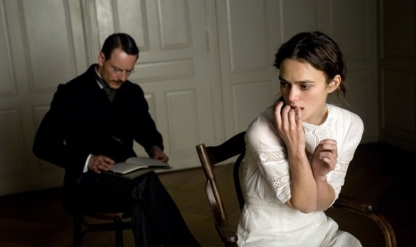 a-dangerous-method-movie-image-michael-fassbender-keira-knightley-021