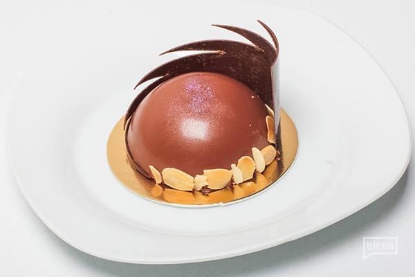 Шоколадный торт с пралине — 60 грн