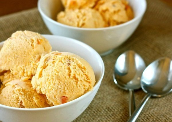 persimmon-cardamom-ice-cream-05051