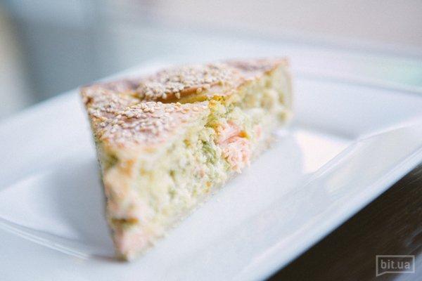 Пирог с семгой и брокколи - 36 грн