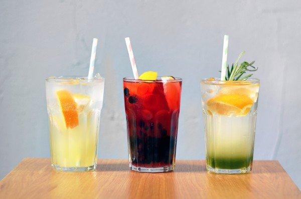лимонады: имбирный, смородина-лемонграсс, тархун — все по 25 грн