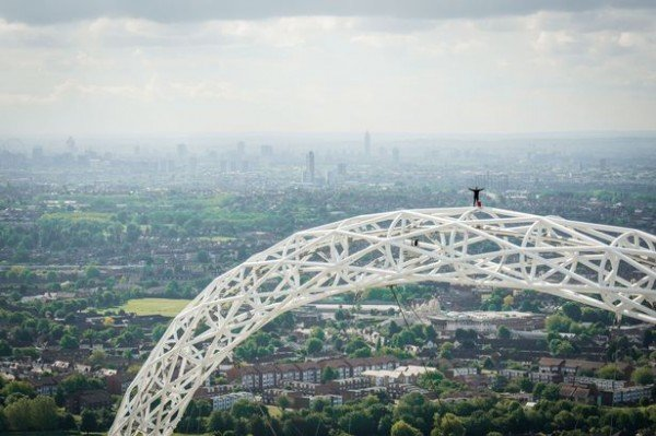 James-Kingston-climbs-the-Wembley-Arch