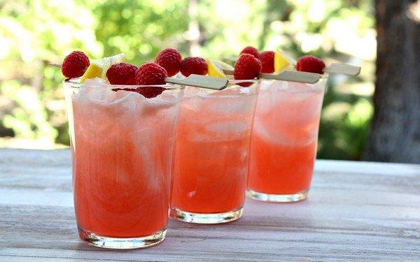 Spiked-Raspberry-Lemonade