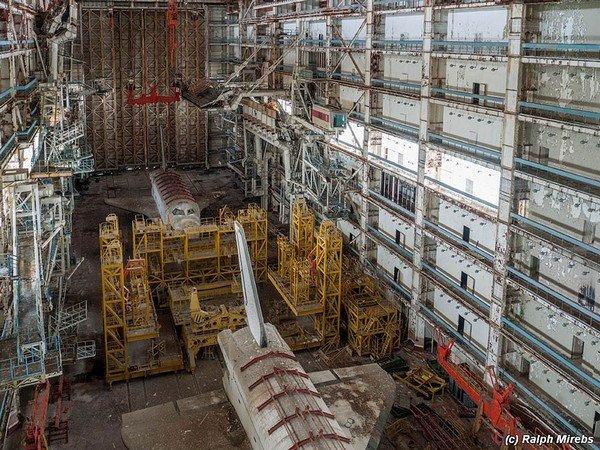 abandoned-soviet-space-shuttle-hangar-buran-baikonur-cosmodrome-kazakhstan-ralph-mirebs-1