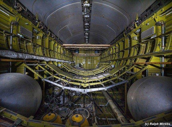 abandoned-soviet-space-shuttle-hangar-buran-baikonur-cosmodrome-kazakhstan-ralph-mirebs-10
