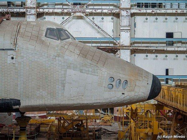 abandoned-soviet-space-shuttle-hangar-buran-baikonur-cosmodrome-kazakhstan-ralph-mirebs-15