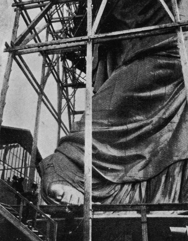 statue-liberty-construction