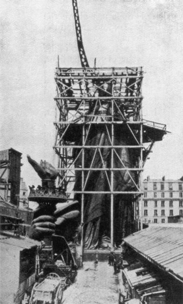 circa 1885:  The framework for the right arm of the Statue Of Liberty during construction in Paris. Designed by the French sculptor Frederick Bartholdi, the statue was presented to the United States by France in 1876.  (Photo by Hulton Archive/Getty Images)