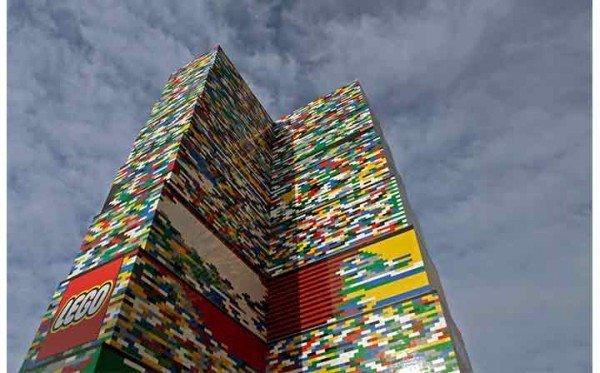 720_LEGO_Tower_Milan_1