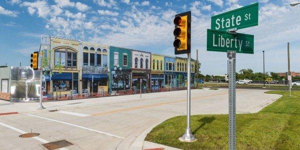 landscape-1437502764-m-city-street
