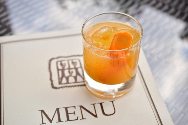 Citrus gold punch (виски, апельсиновый фреш, сироп корицы и лайма) - 110 грн
