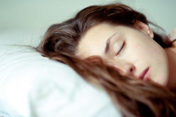 1443120910-syn-pop-54ffde9710a8c-ghk-woman-asleep-de