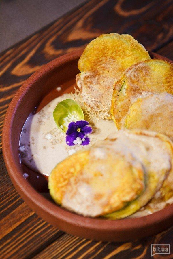 Цуккини жаренные с ореховым соусом - 150гр, 42грн