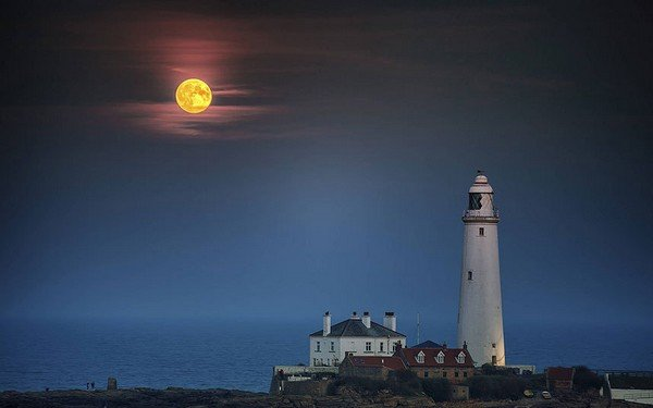 Supermoon-Whitley-_3455373k