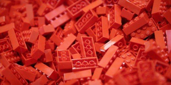 landscape-1442843575-lego-red