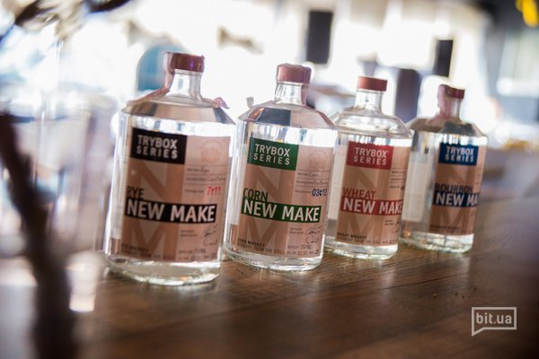 коллекция нью-мейк спиритов, не выдержанный в бочке виски