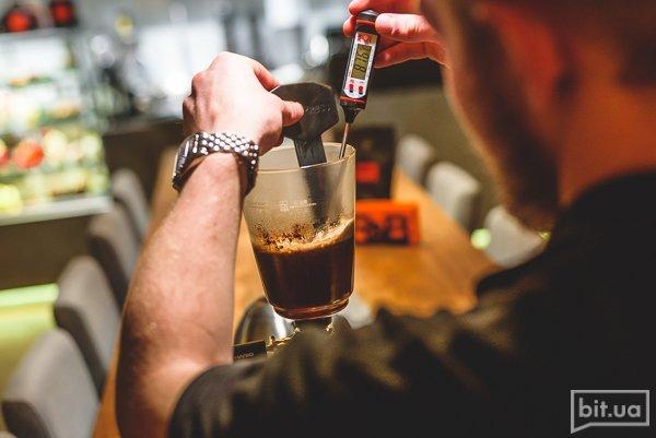 Приготовление кофе в пуровере