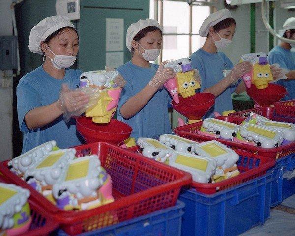 07-toy-factories