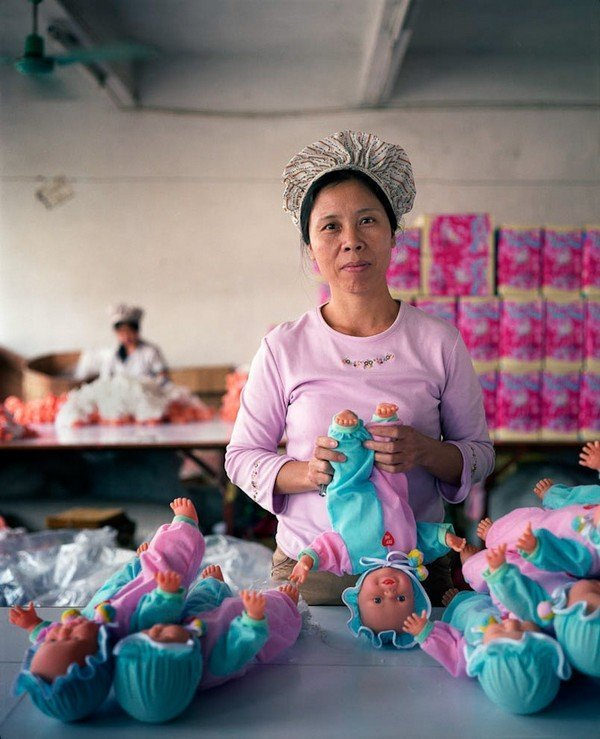 07-toy-factory-portraits